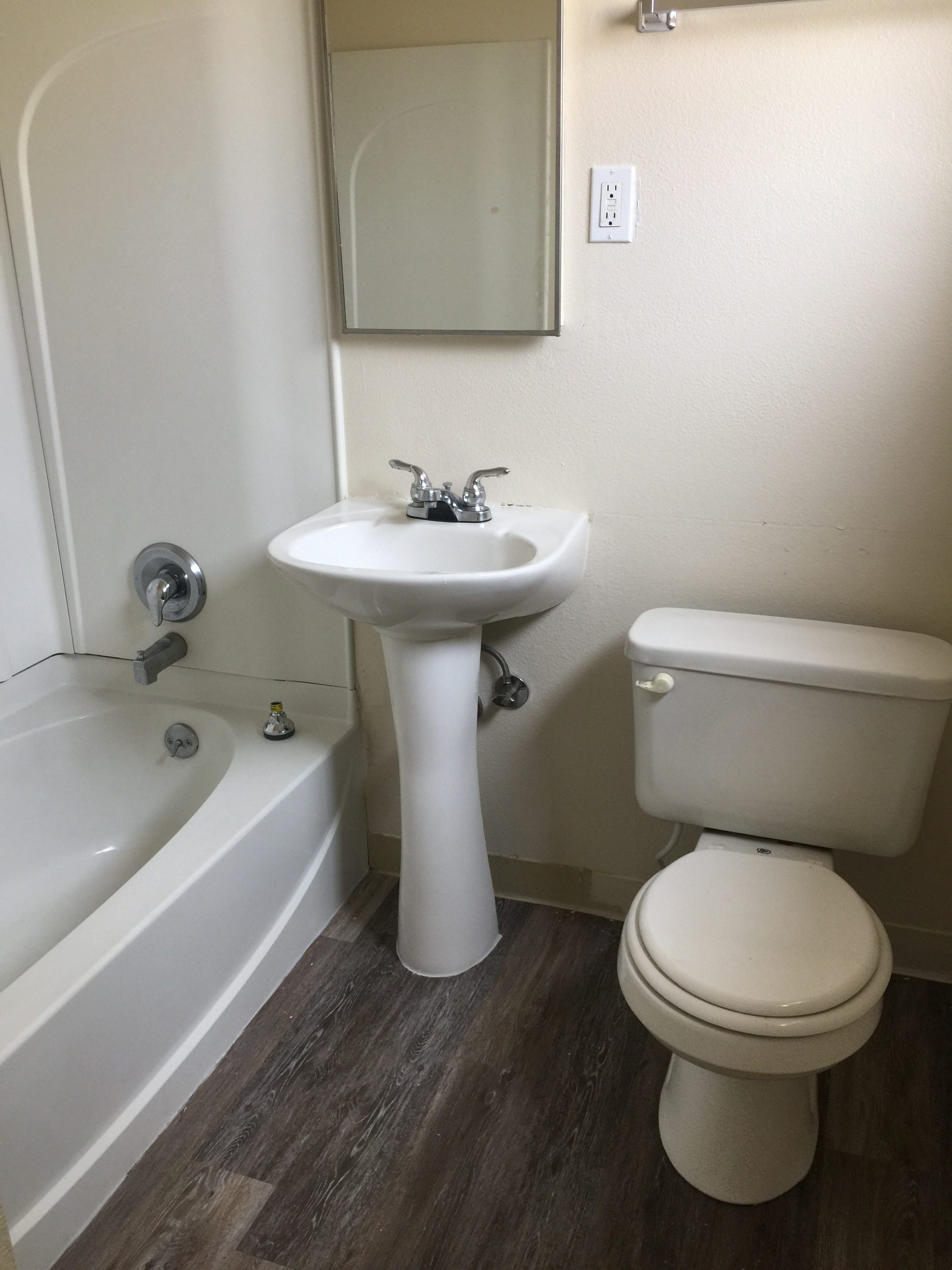 340-cheney-bathroom-e1485122585751
