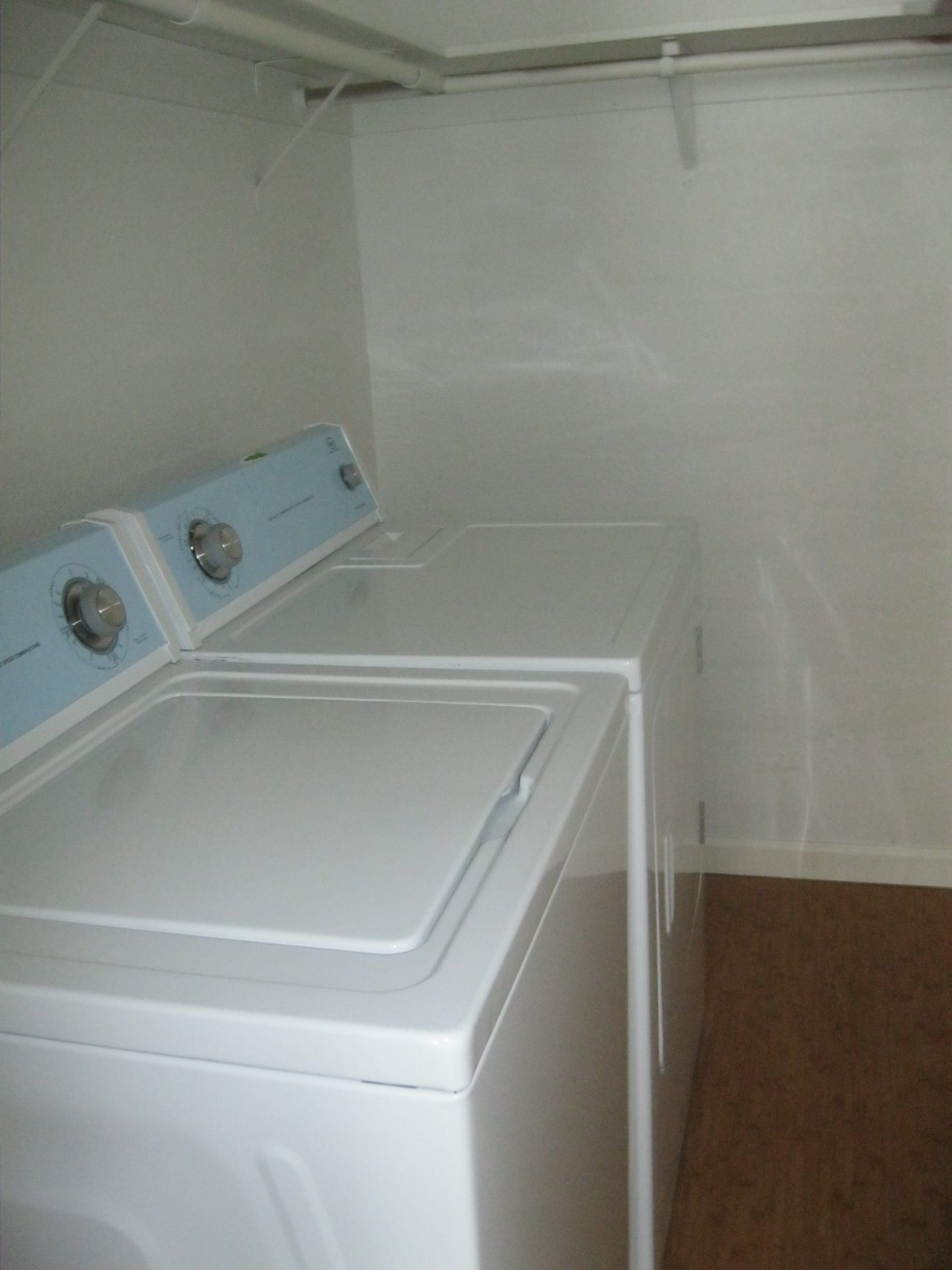 clear-acre-laundry-room-e1485140542169